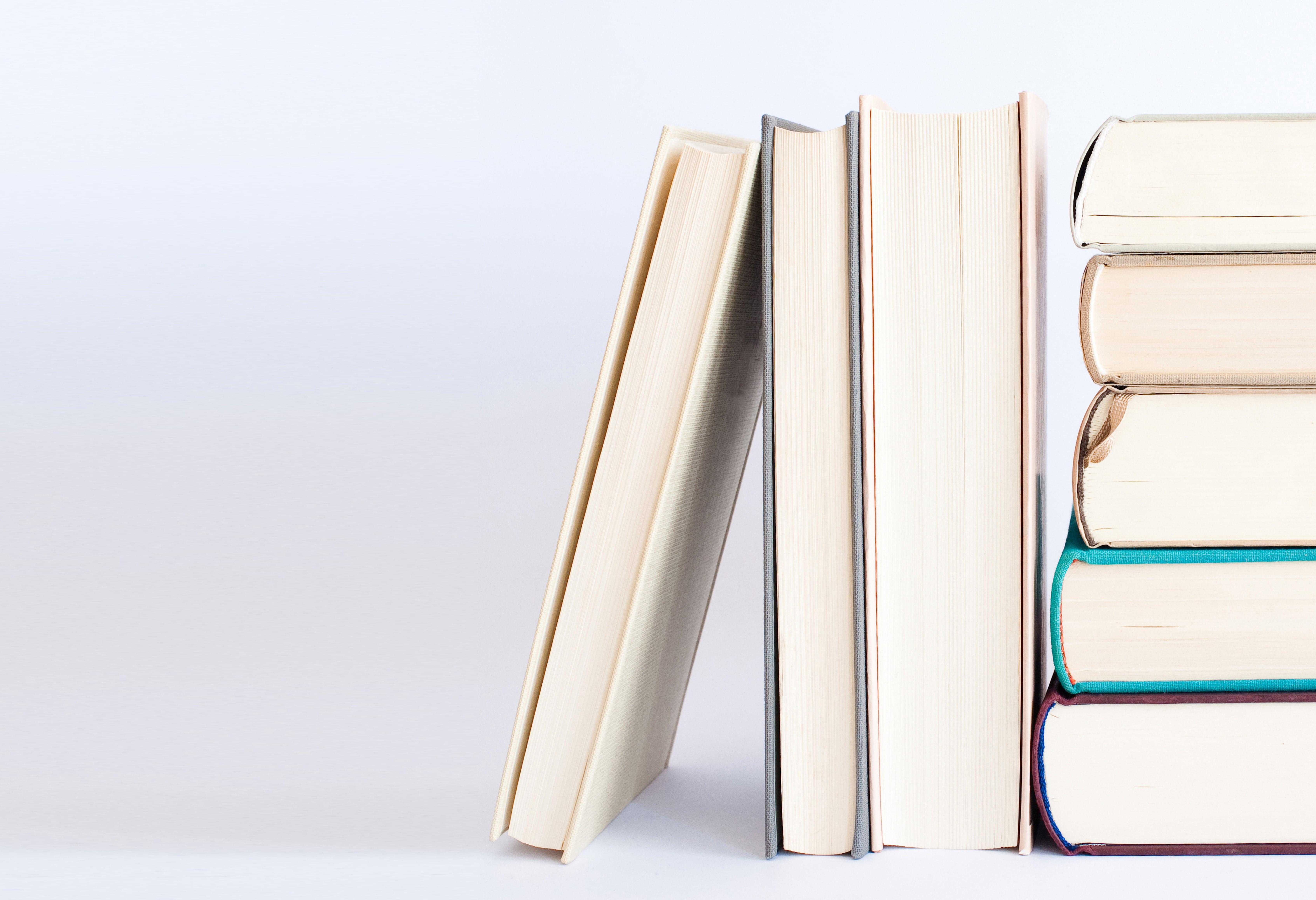 livros agrupados nova