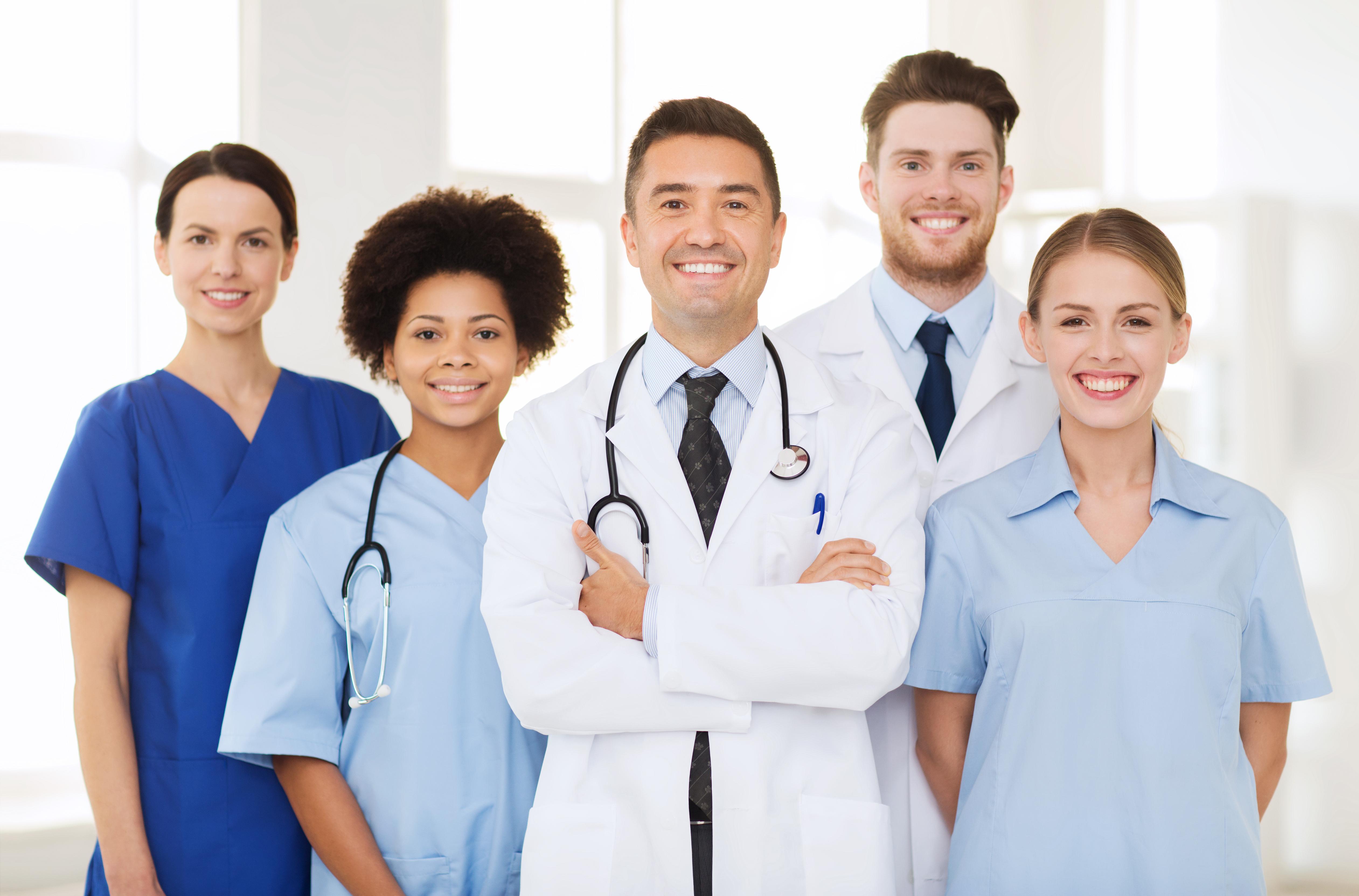 grupo de medicos e enfermeiros_novo