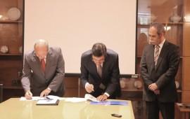 Assinatura de contrato para instalação da nova sede do SICAD no parque de saúde Púlido Valente